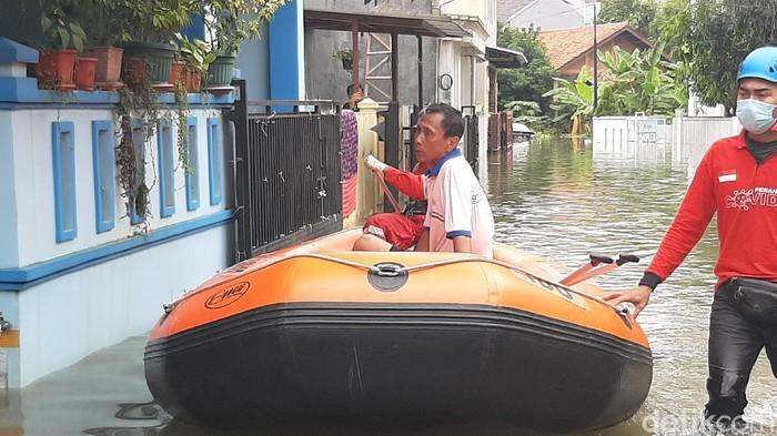 Banjir rendam pemukiman di Kota Bogor.