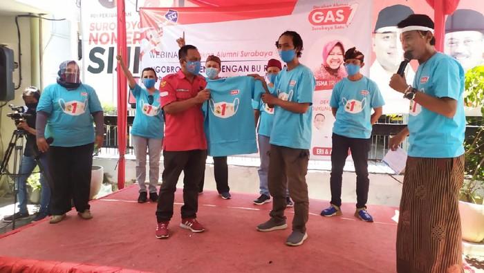 Gerakan Alumni Surabaya Satu (GAS1) menggelar webinar Ngobrol Bareng dengan Bu Risma. Yakni dengan tema Keberhasilan Surabaya Menangani Pandemi COVID-19.