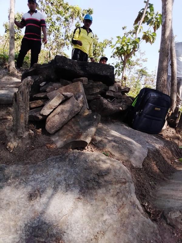 Hingga hari ini total terdapat 23 titik kuburan batu manusia kalang yang terdata di desa itu.