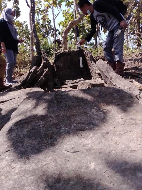 Ini dia kuburan batu manusia Kalang yang baru saja ditemukan di Desa Bleboh, Kecamatan Jiken, Blora, Jawa Tengah.