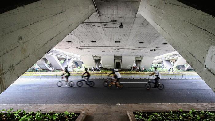 Pemprov DKI Jakarta kembali memperpanjang PSBB Masa Transisi. PSBB Masa Transisi di DKI Jakarta ini diperpanjang selama 14 hari hingga 8 November 2020.