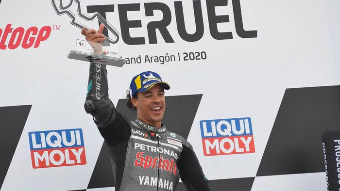 ALCANIZ, SPAIN - OCTOBER 25: Franco Morbidelli of Italy and Petronas Yamaha SRT celebrates the victory on the podium at the end of the MotoGP race during the MotoGP of Teruel at Motorland Aragon Circuit on October 25, 2020 in Alcaniz, Spain. (Photo by Mirco Lazzari gp/Getty Images)