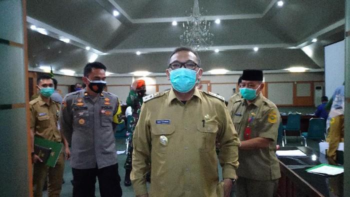 Wabup Bogor Iwan Setiawan di Gedung Sekretariat Daerah Kabupaten Bogor, Cibinong, Kabupaten Bogor, Senin (26/11/2020).