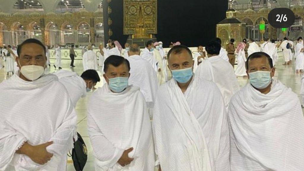 Kunjungi Arab Saudi, JK Sempatkan Umroh di Tengah Pandemi COVID-19