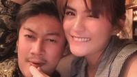 Kemesraan Angela Lee dan Suami yang Malam Pertama bak Gempa 10 SR