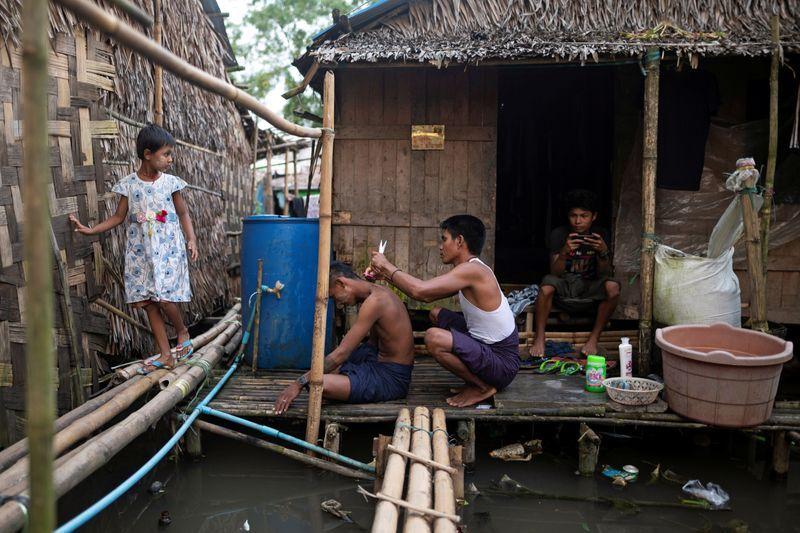 Krisis Ekonomi Akibat COVID-19, Warga di Myanmar Makan Tikus