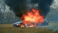 Duh! Kesal dengan Pelayanan Dealer, Mercy Rp 5,6 Miliar Dibakar
