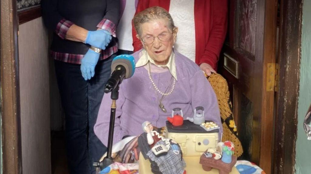 Makan Kentang dan Daging Tiap Hari, Nenek Ini Bisa Berumur 107 Tahun!