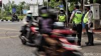 Operasi Zebra 2020 Hari Pertama: Polisi Tilang Ribuan Pemotor, Kebanyakan Lawan Arus