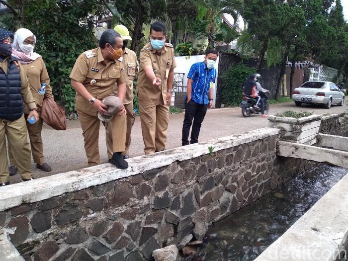 Pemkot Bandung menyiapkan solusi untuk mengatasi banjir di sejumlah titik