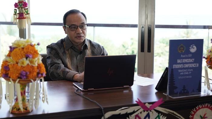 Plt. Direktur Jenderal Informasi dan Diplomasi Publik Duta Besar Teuku Faizasyah