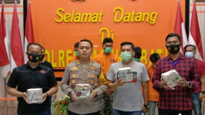 Polisi menangkap 4 orang pria di dua lokasi terpisah di Sumatera Utara (Sumut), terkait peredaran narkoba. (Dok. Istimewa).