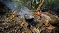 Selain itu kegiatan tersebut juga untuk melestarikan budaya warisan nenek moyang yang telah berlangsung dari ratusan tahun silam dalam menjaga hutan di kawasan lembaga adat desa Paau.