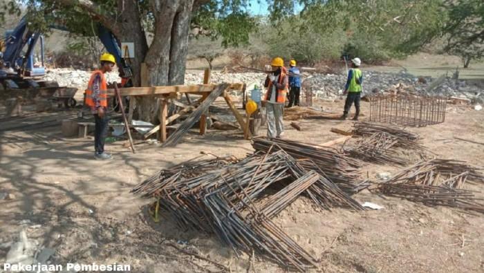 Proyek yang Sedang Dikerjakan di Taman Nasional Komodo