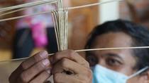 Lestarikan Wayang Suket, Dua Seniman Touring ke 20 Kota Besar Di Pulau Jawa