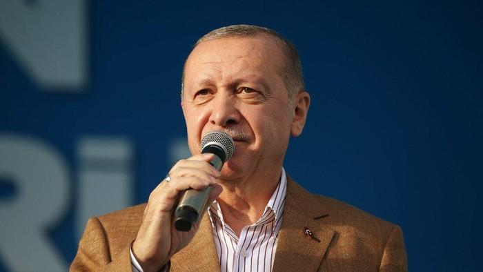 Setelah Erdogan sebut Macron perlu perawatan mental, Prancis tuduh Turki coba picu kebencian terhadap Prancis