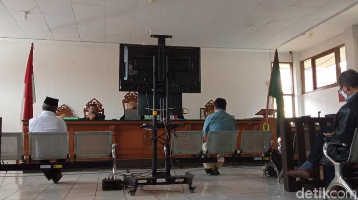 Sidang kasus korupsi RTH Kota Bandung.