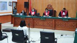 Minta Hukuman Ringan, Vanessa Cerita Keluarganya Bangkrut ke Hakim