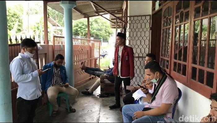 Situasi di sekretariat Mahasiwa Kelompok Cipayung Plus Bangka Belitung