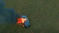 Heboh YouTuber Bakar Mobil Mewah Miliaran Rupiah