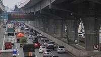 Libur Cuti Bersama, Ini Titik Kemacetan di Tol Jakarta-Cikampek Siang Ini
