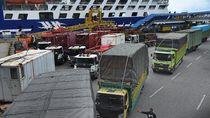 Video Lonjakan Penumpang di Pelabuhan Merak Jelang Libur Nataru