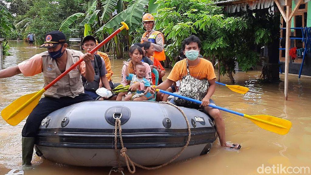Banjir Rendam Delapan Desa di Cilacap