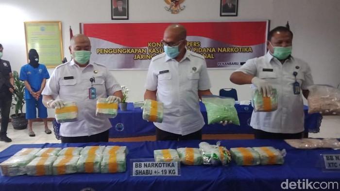 BNN Riau.