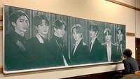 Viral Lukisan Keren Guru yang Gambar BTS Pakai Kapur di Papan Tulis