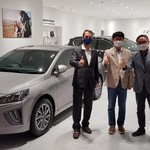 Hyundai Buka Showroom di Dalam Mal, Pamerkan Mobil Listrik
