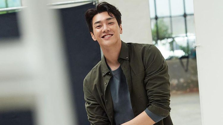 Staf Drakor Positif Corona, Kim Young Kwang Negatif