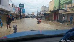 Luapan Sungai Cikaso Juga Rendam Jalan Nasional Menuju Pangandaran