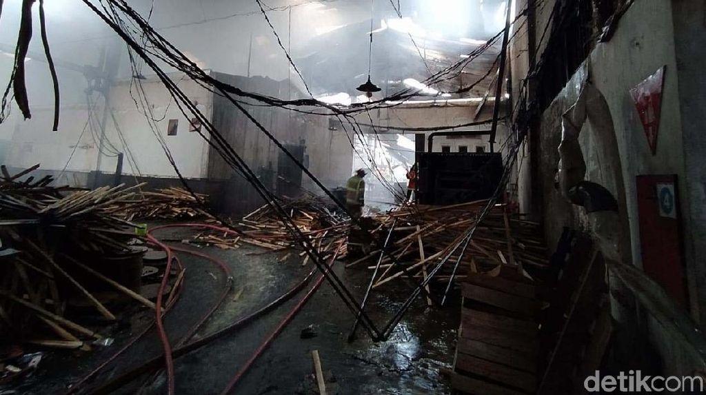 Pabrik Pengolahan Kayu di Magelang Ludes Terbakar