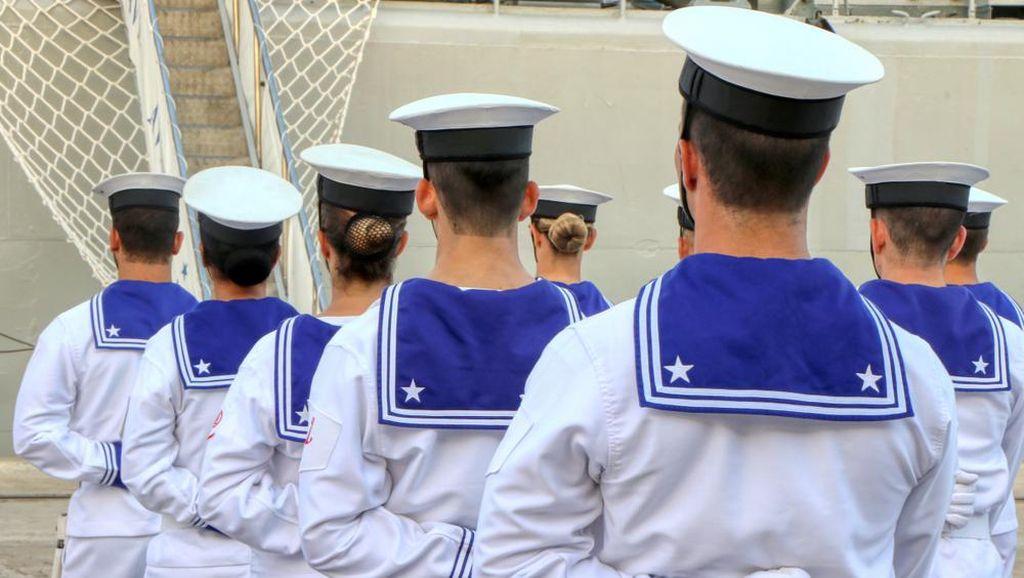 Suka Duka Perempuan Pelaut di Atas Kapal