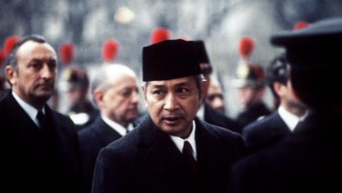 Portrait dated 1970's of Indonesian President Mohamed Suharto. (Photo by - / AFP)