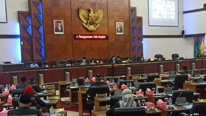 Suasana rapat paripurna membahas usulan penggunaan hak angket DPR Aceh (Agus Setyadi-detikcom)