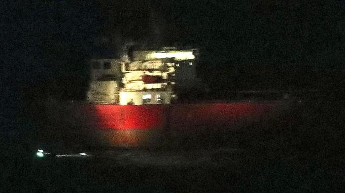 Tentara Inggris selamatkan sandera di kapal tanker yang diduga dibajak penumpang gelap