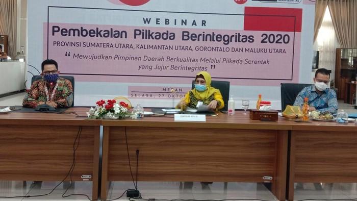Wakil Ketua KPK Lili Pintauli Siregar (tengah)/(Ahmad Arfah-detikcom)