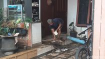 Banjir di Griya Cimanggu Bogor Surut, Warga Mulai Bersihkan Rumah
