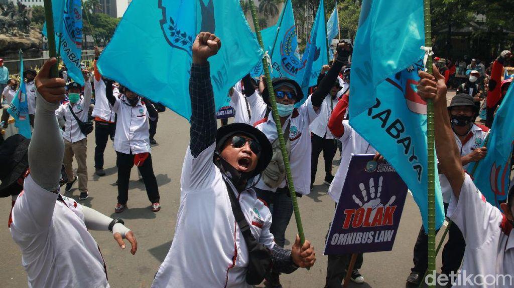 Aksi Buruh Mulai Ramai di Patung Kuda