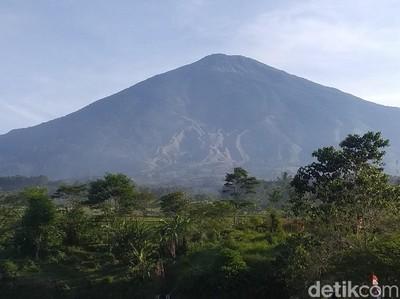 8 Tips Mendaki Gunung Ciremai Pas Cuti Bersama