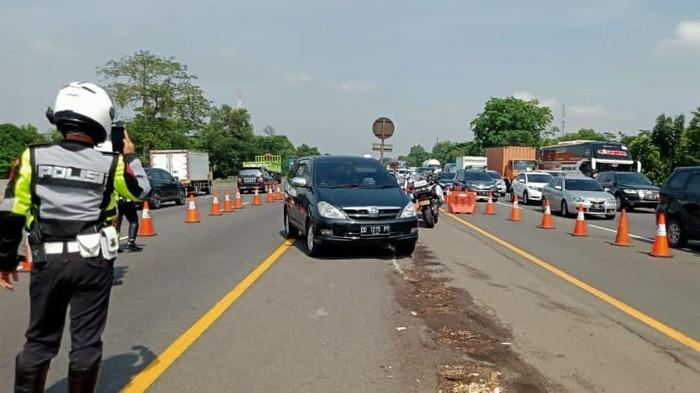 Jasa Marga berlakukan contraflow di KM 47-61 Tol Jakarta Cikampek