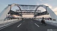 Meski Ditutup, Jembatan Suroboyo Masih Ramai Didatangi Warga