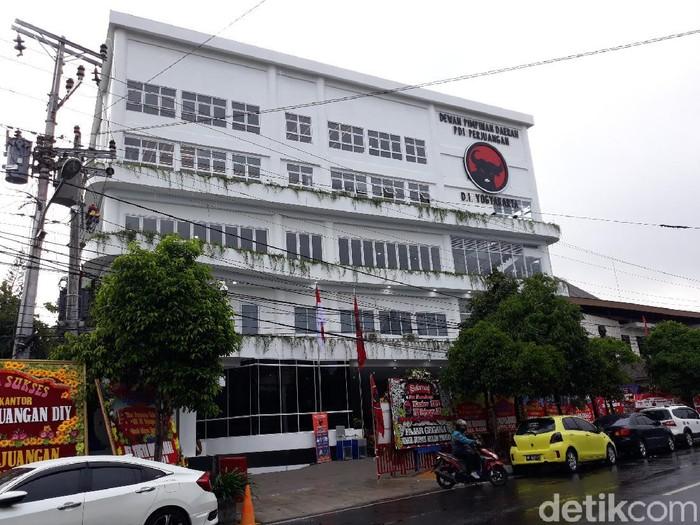 Kantor DPD PDIP DIY, Jalan Tentara Rakyat Mataram No 47, Yogyakarta, Rabu (28/10/2020).