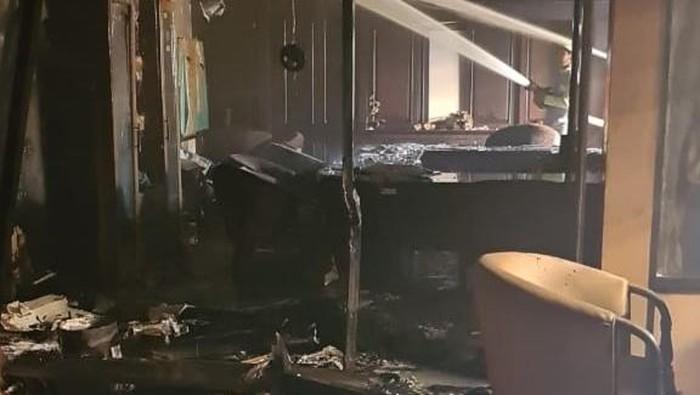 Kebakaran di ruang F-PPP DPRD Kaltim.