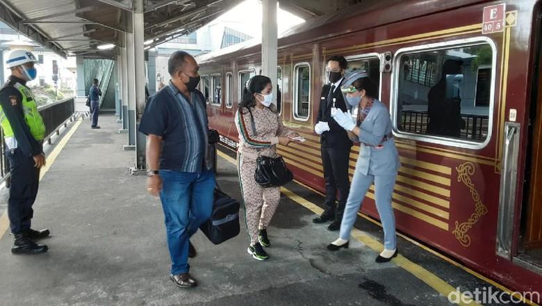 kereta api wisata