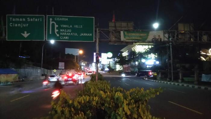 Lalin di Simpang Gadog ke arah Puncak dan Jakarta terpantau lancar