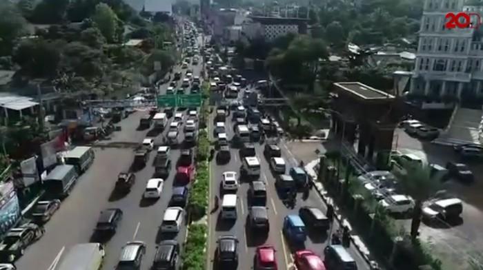 Melihat dari Langit Kemacetan Parah di Simpang Gadog-Tol Jagorawi