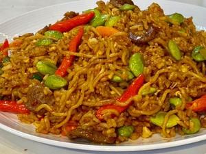 Yummy! Ini Resep Nasi Goreng Magelangan dengan Sate Ayam yang Lezat