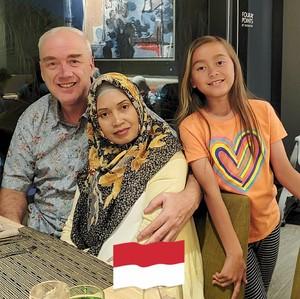 Kisah Romantis Bule Kanada yang Jatuh Cinta dengan TKW dari Desa